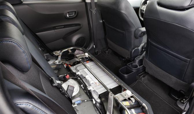 Die besten Bilder zu Toyota Yaris Hybrid: Minidom (Foto)
