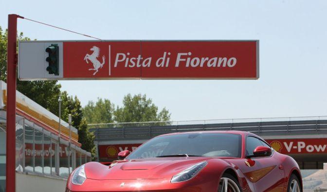 Die besten Bilder zu Ferrari F12 Berlinetta: Die Posaunen von Maranello (Foto)