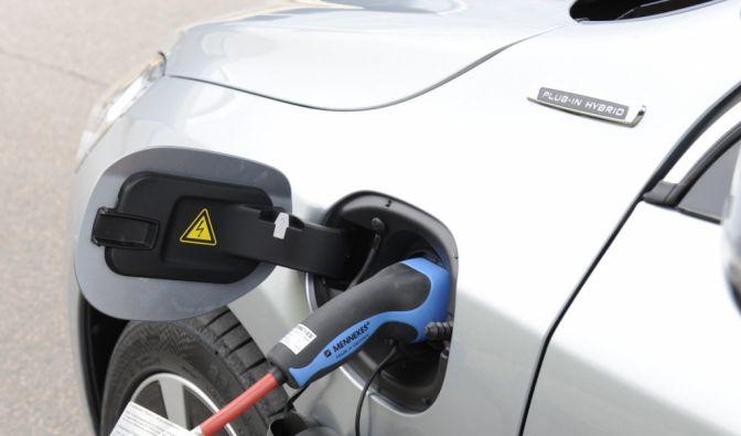 Die besten Bilder zu Volvo V60 D6 AWD Plug-In-Hybrid: Ran an die Steckdose (Foto)
