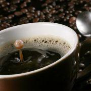Die braune Bohne macht gesund: Kaffee macht nicht nur glücklich, sondern hält auch gesund.