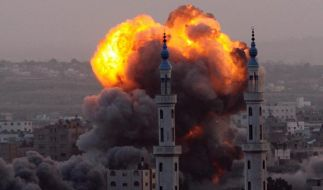 Die Bombardements gehen weiter. Zu sehen eine Rauchwolke nach einem Israelischen Luftangriff über Gaza-Stadt. (Foto)