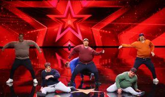 """Die Breakdance-Gruppe """"D.M.A. Big Man Crew"""" aus Augsburg rund um Matthias Klose (31) trainiert vier bis fünf Mal die Woche, um die Supertalent-Jury mit ihrer Performance vom Hocker zu hauen. Ob sie die Juroren begeistern können? (Foto)"""