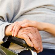 Bundestag erlaubt Medikamententests an Demenzkranken (Foto)