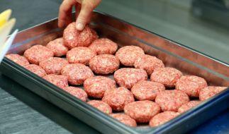 Die CDU fordert in Schleswig-Holstein die Schweinefleisch-Pflicht für öffentliche Kantinen. (Foto)