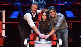 "Die Coaches von ""The Voice Kids"": Mark Forster (r.), Lena Meyer-Landrut (M.) und Sasha (l.). (Foto)"