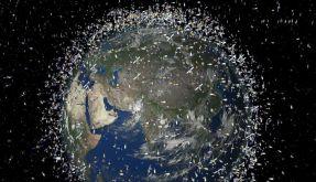 Die Computersimulation der Europäischen Weltraumorganisation Esa zeigt Weltraumschrott in der erdnah (Foto)