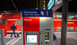 Die Deutsche Bahn erhöht ihre Fahrpreise zum Fahrplanwechsel am 9. Dezember um durchschnittlich 2,8 Prozent. (Foto)