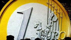 Die Deutschen schauen mit Sorge auf die Eurokrise. Doch es gibt nicht nur Verlierer. (Foto)