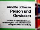 Die Dissertation von Bundesbildungsministerin Annette Schavan (CDU). (Foto)