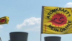 Die Entscheidung des Bundesrats bedeutet das sofortige Aus für acht Atommeiler.  (Foto)