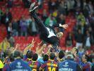 Die ganze Welt huldigt Barça - Randale in Spanien (Foto)