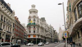 Die Gran Via in Madrid (Foto)