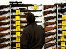 Die große Koalition will Waffenbesitzer stärker kontrollieren. (Foto)