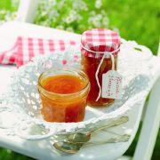 Die leckersten Herbstfrüchte sind die perfekte Basis für selbstgemachte Marmelade - mit einigen Tricks schaffen das auch Einkoch-Neulinge.