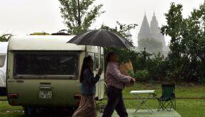 Die Hersteller stehen im Regen, die Verbraucher nicht: Umbauten Marke Eigenbau liegen im Trend. (Foto)