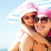 Die Höhe des benötigten Lichtschutzfaktors zum Sonnenschutz ist abhängig vom Hauttyp und vom UV-Index. (Foto)