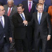 Entscheidung um Flüchtlingsbündnis mit der Türkei verschoben (Foto)