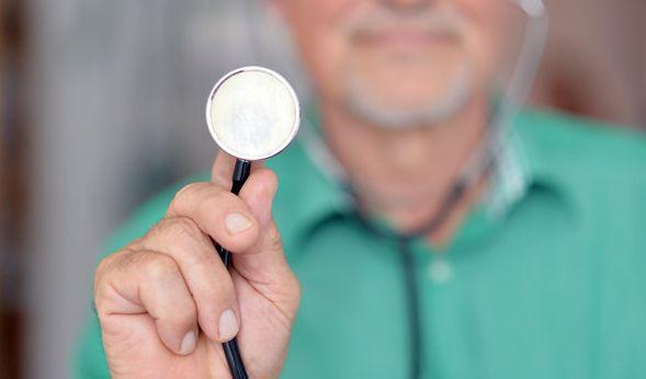 Die privaten Krankenversicherung erhöhen die Beiträge massiv. (Foto)