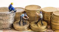 Die Löhne in Ost- und Westdeutschland klaffen auch knapp 27 Jahre nach der Wiedervereinigung deutlich auseinander. (Foto)