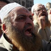 Die Muslimbrüder, hier bei einer Demo in Kairo, haben sich offenbar mit ihren Vorstellungen einer Verfassung durchgesetzt.