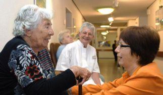 Die Pflege soll individueller und menschlicher werden. (Foto)