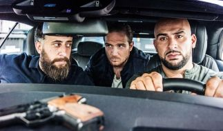 "Die Schauspieler der Serie ""4 Blocks"", Kida Khodr Ramadan (l-r) als Ali ""Toni"" Hamady, Frederick Lau als Vince Kerner und Veysel Gelin als Abbas Hamady. (Foto)"
