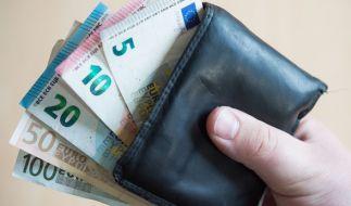 Die Schere zwischen arm und reich geht in Deutschland weiter auseinander. (Foto)