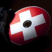 Die Schweizer Bankiervereinigung verlangt, Ankäufe von Steuerdaten-CDs zu unterbinden.