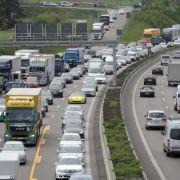 Stau-Gefahr steigt mit Ferienende auf DIESEN Strecken (Foto)