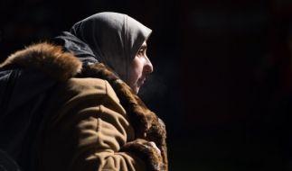 """Die Studie begründet die Ablehnung mit der oft angenommenen Nähe des Kopftuches zu """"muslimischem Fundamentalismus, Intoleranz und Terror"""". (Foto)"""