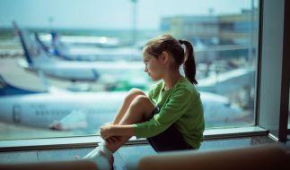 Die Tochter der Schauspielerin Clelia Sarto ist auf dem Flughafen alleingelassen wurden. Ein peinlicher Fall für Air Berlin, welche für die Aufsicht verantwortlich waren. Jetzt will sich das Unternehmen entschuldigen. (Foto)