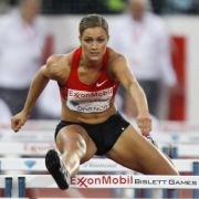 Die US-Amerikanerin Lori «LoLo» Jones ist zugleich Leichtathletin und Bobsportlerin. 2008 und 2010 war sie Hallenweltmeisterin im Hürdenlauf. In Moskau geht sie nicht an den Start.