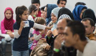 Die Verbraucherzentrale warnt derzeit vor miesen Kreditkartenbetrüger, die es auf Flüchtlinge abgesehen haben. (Foto)