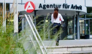 Die Zahl der zu vergebenden Arbeitsstellen liegen derzeit auf einem Rekordhoch. (Foto)
