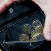 Die Zahl der befristeten Beschäftigungen ist in Deutschland gestiegen. Vielen Arbeitnehmern droht Armut. (Foto)