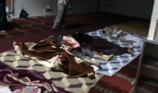 Dieser Ausschnitt aus einem Amateurvideo soll das Massaker an den syrischen Zivilisten belegen. (Foto)