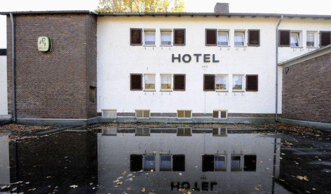 Dieses Hotel im niedersächsischen Faßberg ist seit einer Woche von Rechtsextremisten besetzt. (Foto)