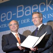 Dieter Graumann, Präsident des Zentralrats der Juden gratulierte Wulff zu dessen Auszeichnung.