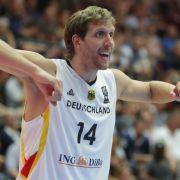 Dirk Nowitzki ist der große Hoffnungsträger der Deutschen bei der anstehenden Basketball-EM. (Foto)