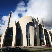 Ditib-Muslime hetzen auf Facebook gegen Deutschland (Foto)