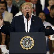 Donald Trump versucht sich für seine Schweden-Rede zu erklären. (Foto)