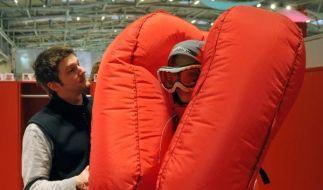 Doppelt hält besser: Dieser Airag soll Skifahrer vor Lawinen schützen. (Foto)