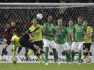 Dortmund-Profi Mats Hummels bei einem Seitfallzieher. (Foto)
