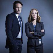 Dream-Team im Kampf gegen Außerirdische: Die FBI-Agenten Mulder (David Duchovny) und Scully (Gillian Anderson). (Foto)