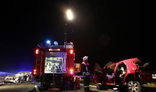 Drei Tote bei Karambolage nach Wildunfall in Hessen. (Foto)