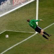 Drin? Keinesfalls entschied der Referee beim WM-Achtelfinale zwischen Deutschland und England 2010.