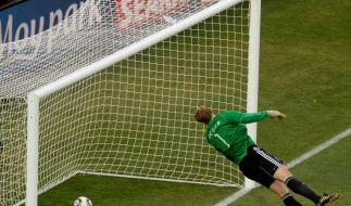 Drin? Keinesfalls entschied der Referee beim WM-Achtelfinale zwischen Deutschland und England 2010. (Foto)