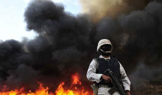 Drogenkrieg in Mexiko: Soldaten bewachen das Abbrennen von 134 Tonnen Haschisch. (Foto)