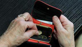 Durch die Rentenreform sinken die Zahlungen im Alter beträchtlich. (Foto)