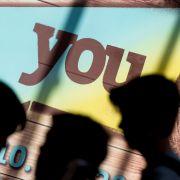 Dutzende Jugendlich strömen jährlich zur beliebten Jugendmesse nach Berlin. (Foto)